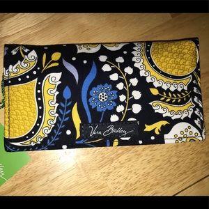 Ellie Blue Vera bradley checkbook cover BNWTS